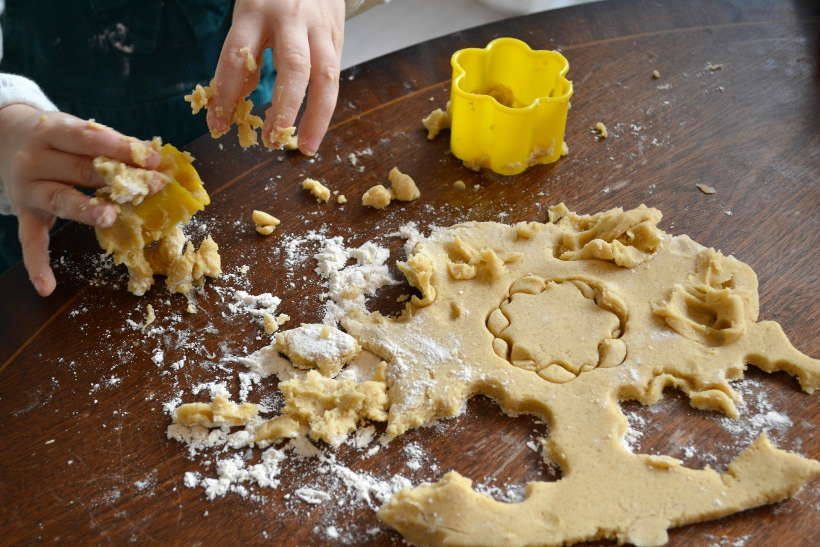 christmas baking ideas for kids - star cookies